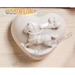 Bomboniera Claraluna 17326 Calamite Cuoricino con Cavallo in Resina Porcellanata bianca linea Petite